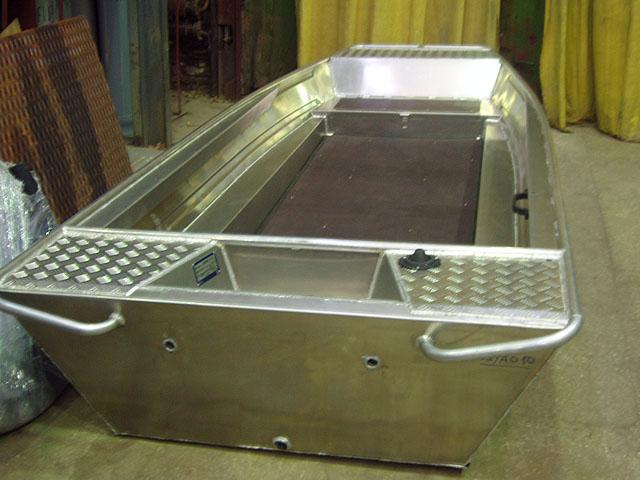 форма для изготовления пластиковой лодки